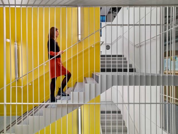 la manufacture design oficina diferente en paris escalera diariodesign