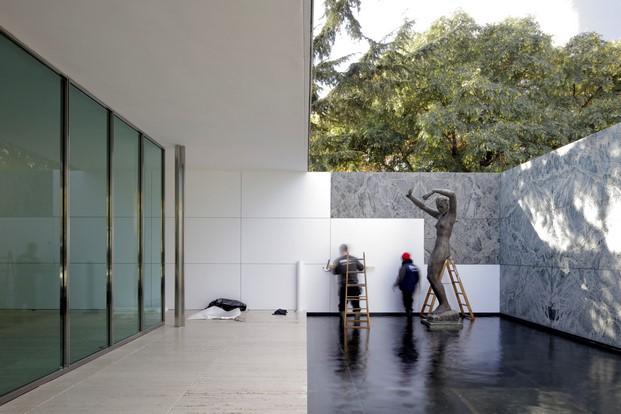 pabellon mies intervencion missing materiality de annay eugeni bach arquitectos diariodesign