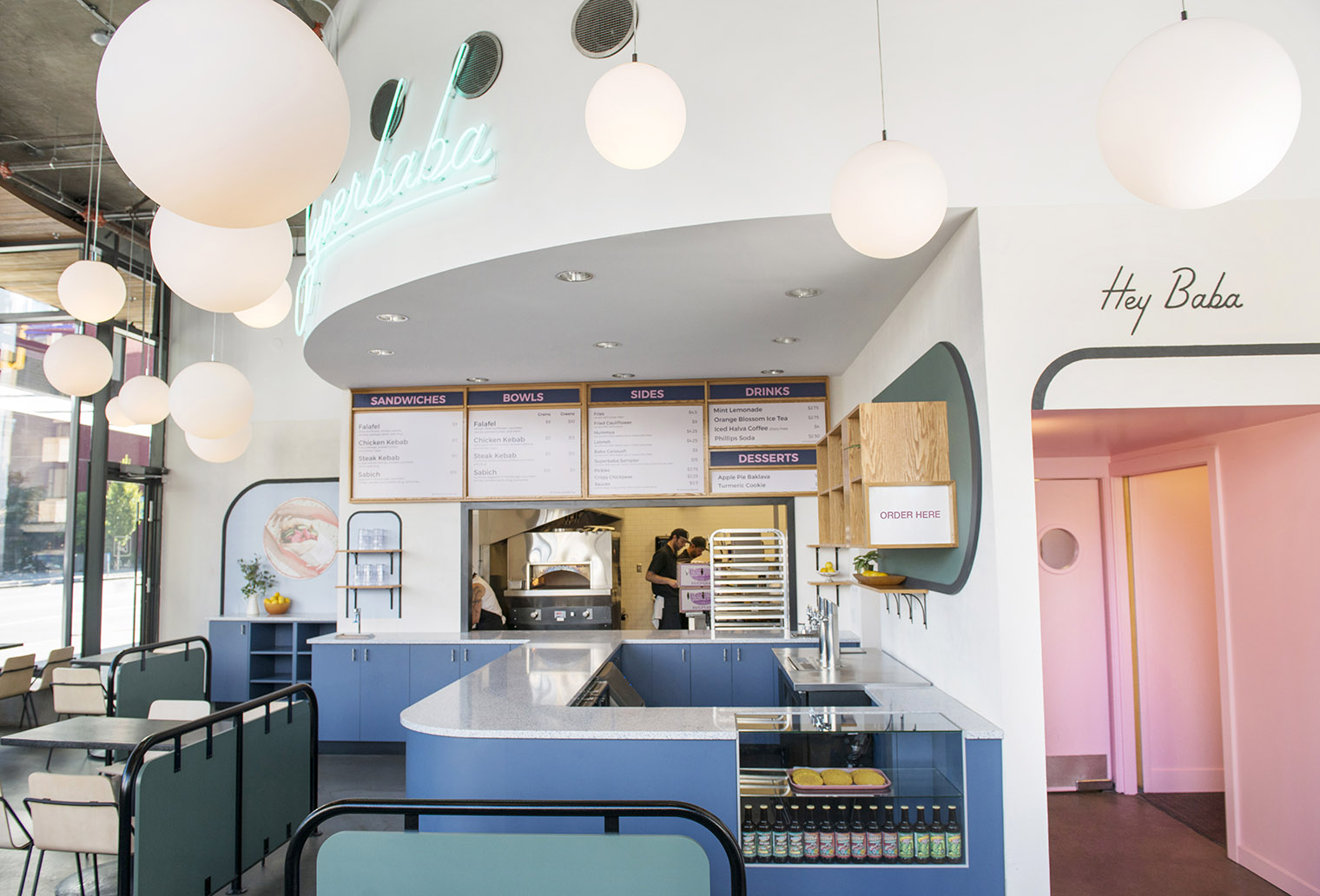 Restaurant Interior Design Iowa : Kebabs con toque americano en el restaurante superbaba