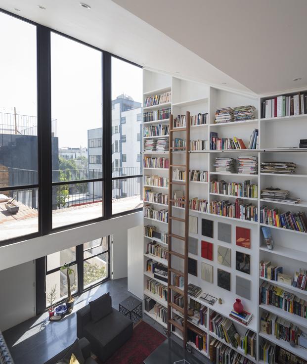 edificio en Corboba mexico de Cadaval Sola Morales libreria diariodesign