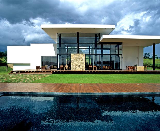 Residencia Baroneza vivienda en brasil de Simone Mantovani piscina diariodesign