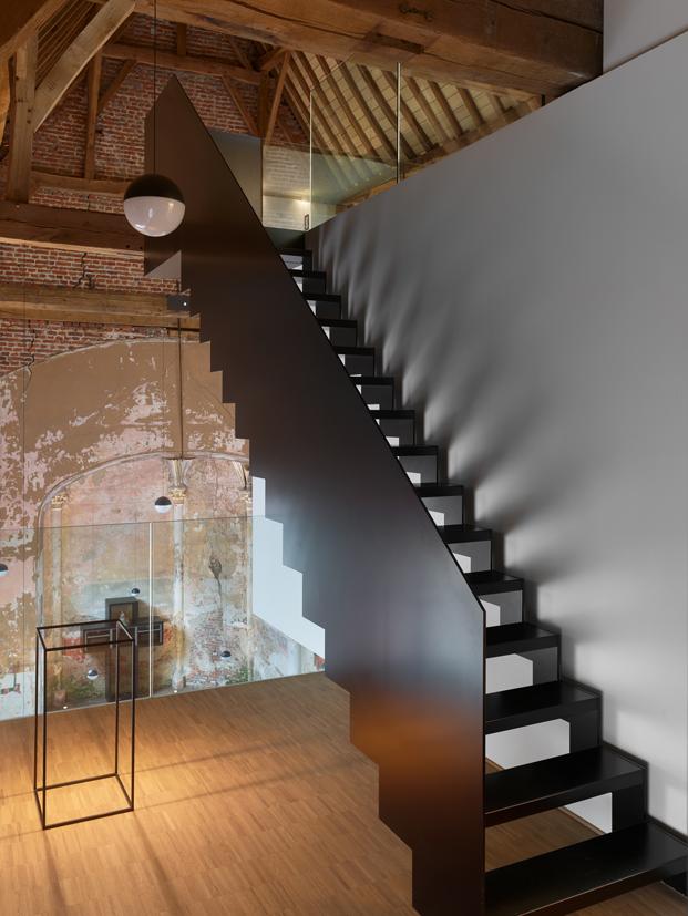 The waterdog capilla Klaarchitectuur escalera diariodesign