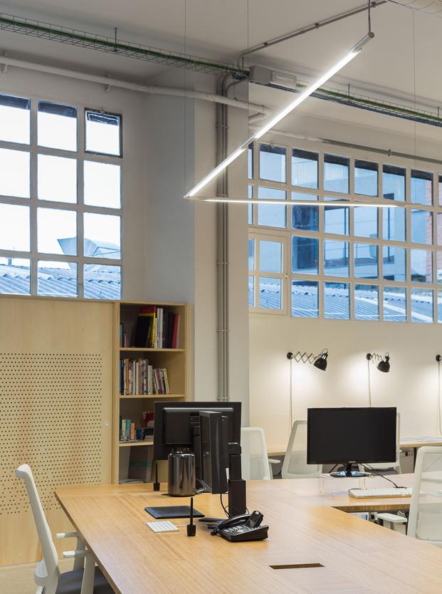 oficinas image de marque Petita Dimensio slim fluvia mesa diariodesign