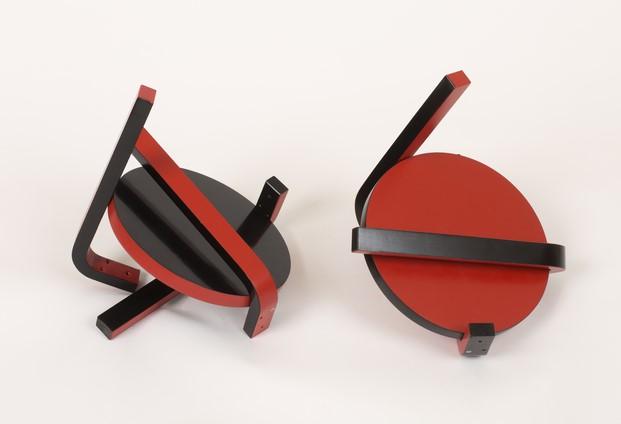 escultura de un taburete de artek diariodesign