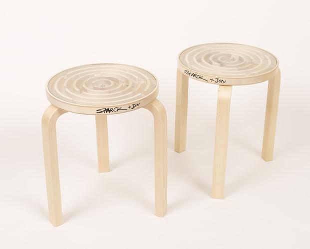 Philippe Starck intervencion taburete artek diariodesign
