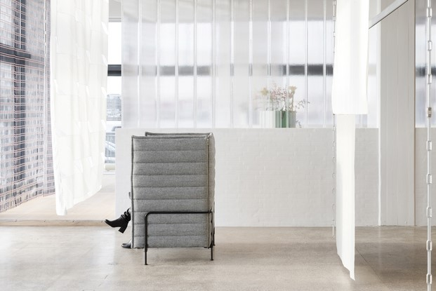 sillon belleville en el showroom kvadrat copenhague hermanos bouroullec diariodesign