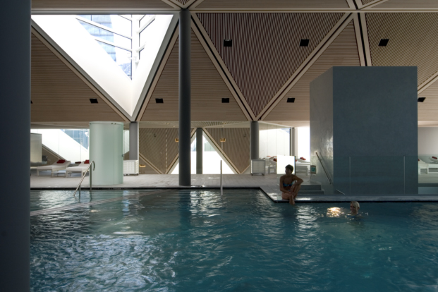 wellness centre tschuggen berg oase arosa mario botta diariodesign piscina