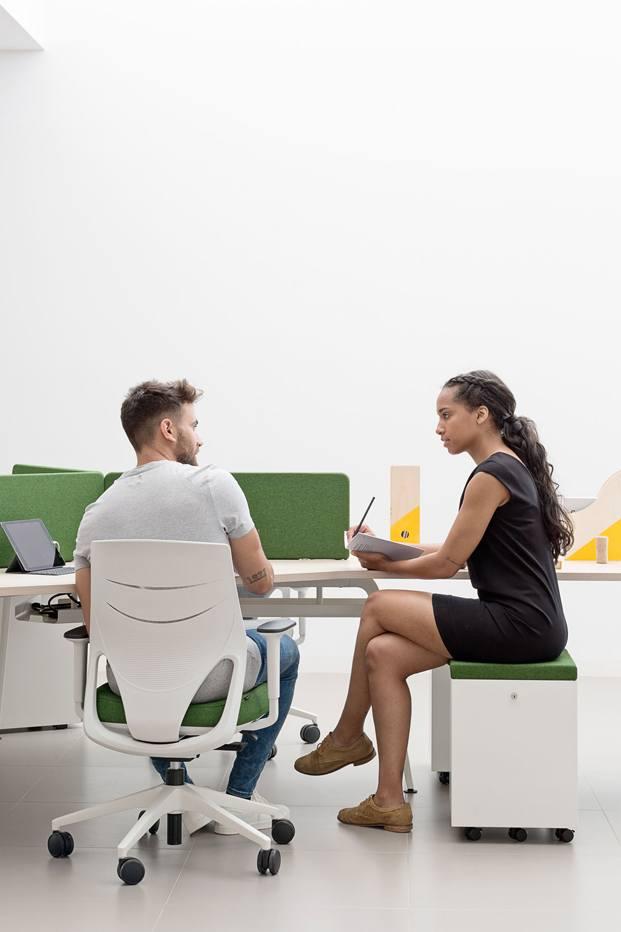 Efit silla de Actiu mobiliario de oficina diariodesign