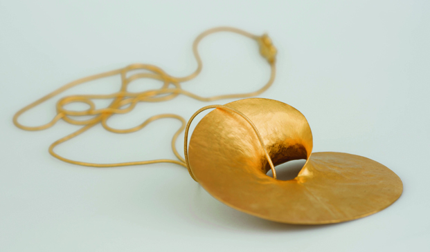 II muestra de orfebrería y joyería contemporaneas museo nacional de artes Decorativas diariodesign