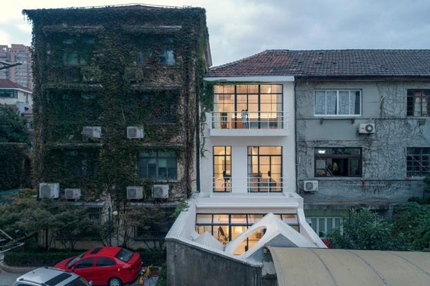 A white house a growing home casa en shanghai fachada diariodesign