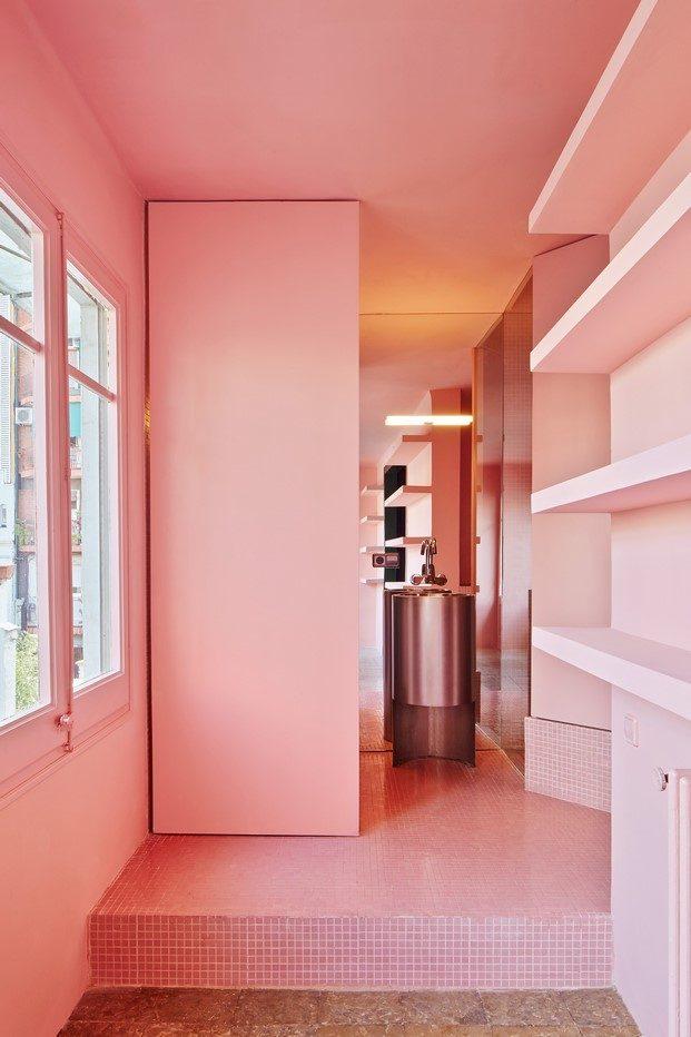 interior en rosa casa horta guillermo santomá