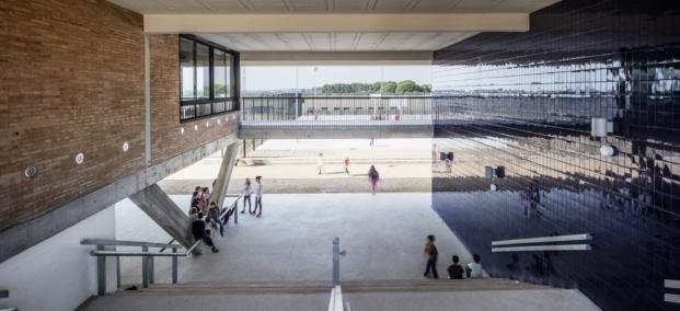 escola montserrat vayreda roses baas arquitectura diariodesign gradas