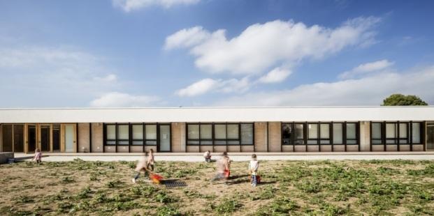 escola montserrat vayreda roses baas arquitectura diariodesign materiales