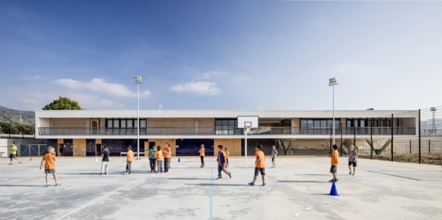escola montserrat vayreda roses baas arquitectura diariodesign pistas