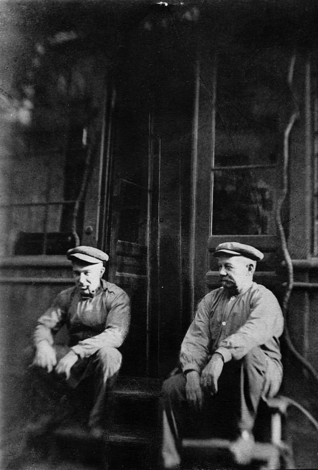Los hermanos Theodor y Ferdinand Krüger fundadores de brdr Kruger