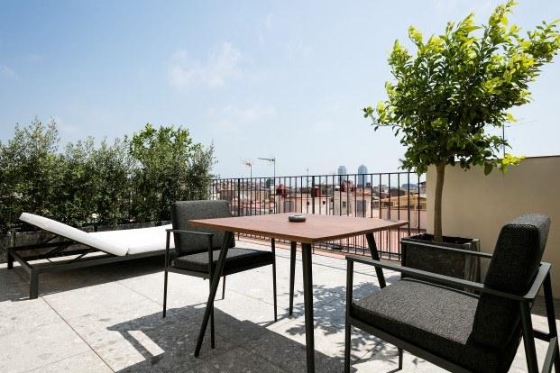 hotel yurbban passatge en callejon historico de barcelona diariodesign