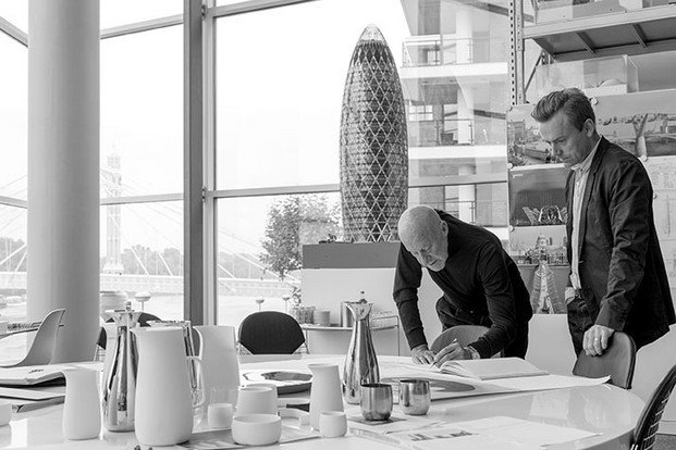 Norman Foster y Stelton coleccion de mesa diariodesign