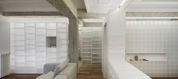 Casa en granada con cajas polipropileno de mui interiorismo de Serrano Vaquero salon diariodesign