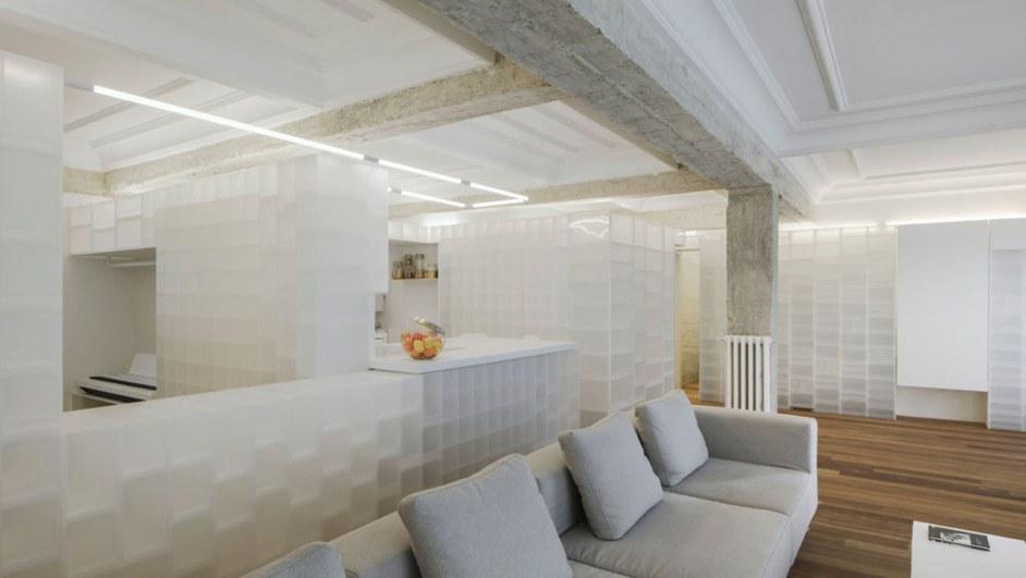 Casa en granada con cajas polipropileno interiorismo de Serrano Vaquero salon cocina diariodesign