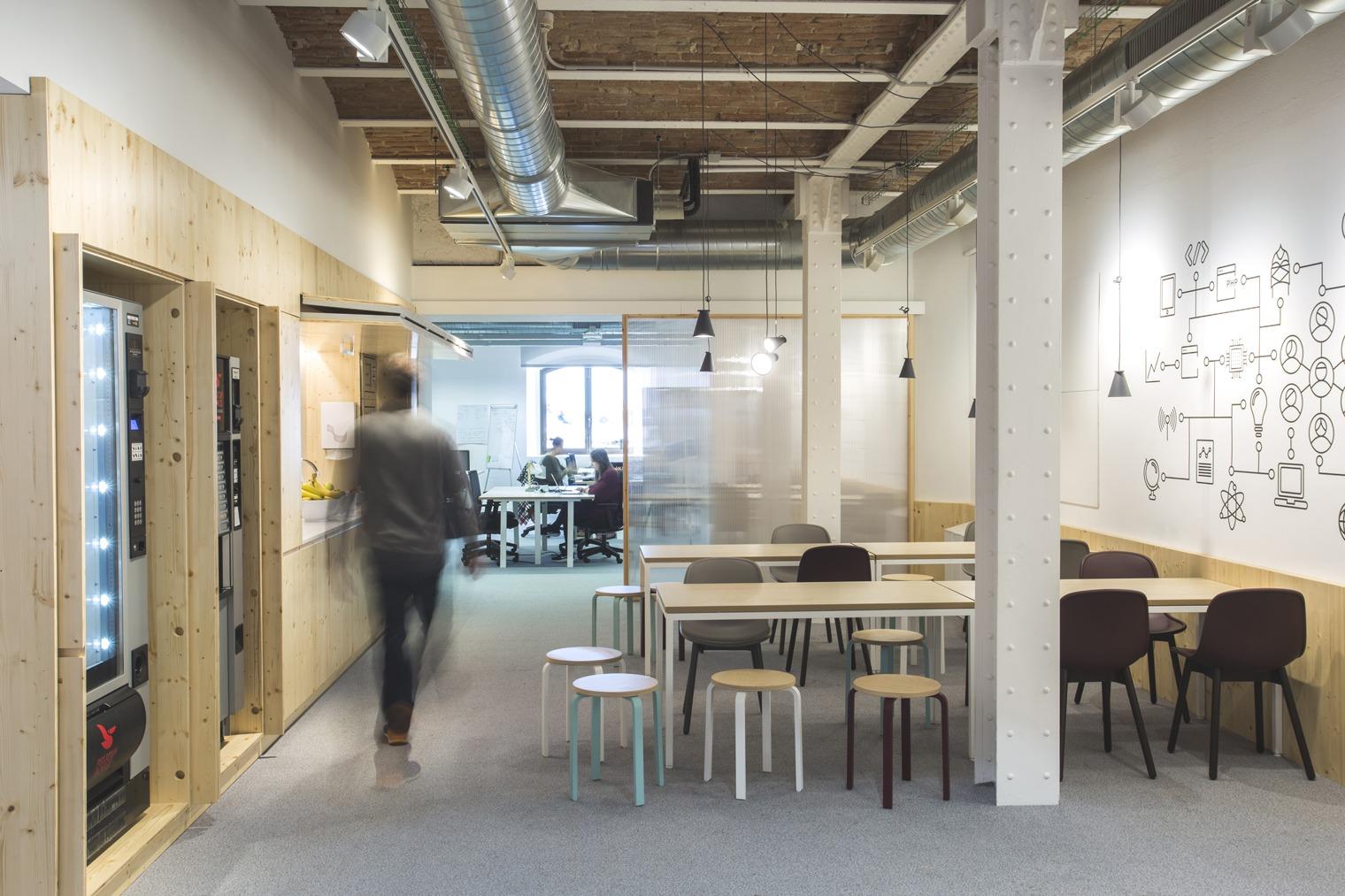 Mventures oficinas en el edificio palau de mar tech city for Ups oficinas barcelona