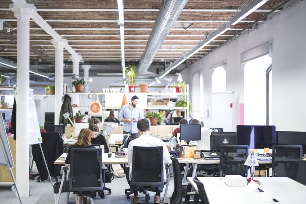 DearDesign disena oficinas mVentures en el Tech City center en el palau de mar de barcelona mobiliario diariodesign