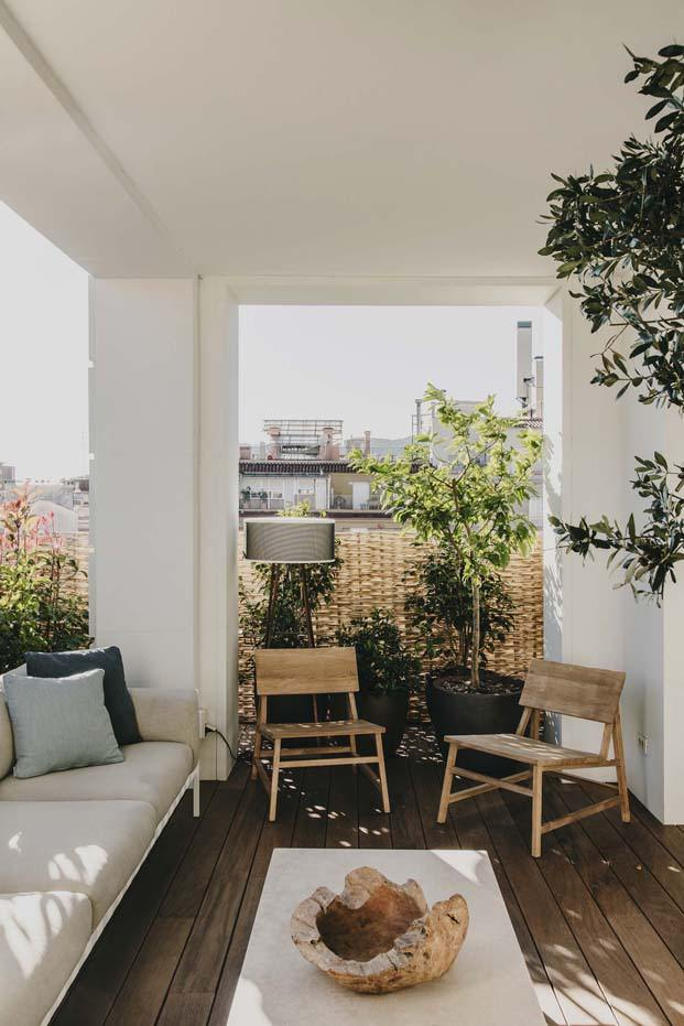 terraza de un atico en barcelona interiorismo de Lopez Vilalta diariodesign