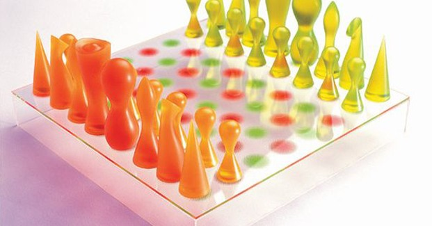 Karim Rashid Chess Set diariodesign