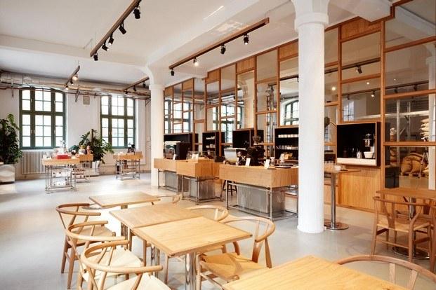 bonanza cafe berlin sala madera diariodesign