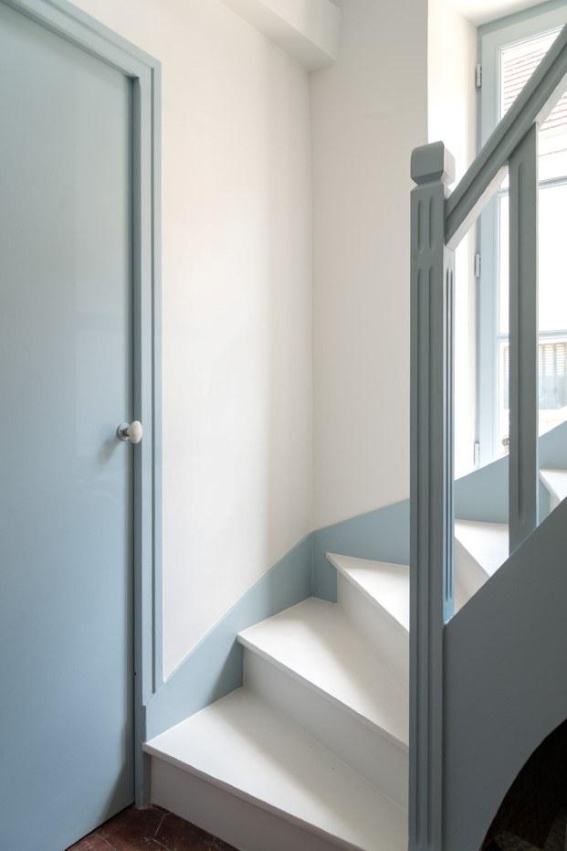 escalera de la casa de la campo de gesa hansen en las afueras de paris diariodesign