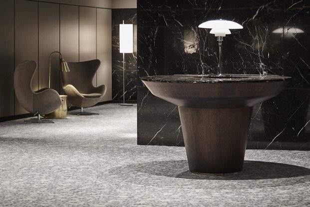 El icónico Radisson Collection Royal Hotel de Arne Jacobsen reforma lobby diariodesign