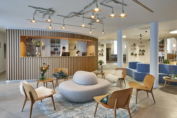 Hygge Hotel en Bruselas interiorismo de michel Penneman recepcion diariodesign