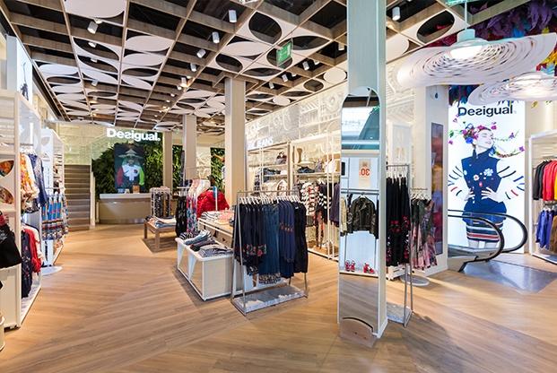 anewdesigual diseno nuevas tiendas desigual interiorismo de lazaro rosa violan diariodesign