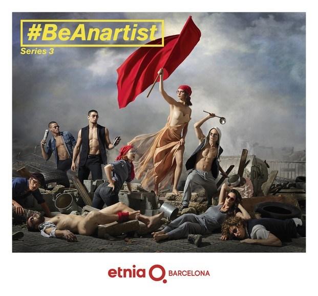 La libertad guiando al pueblo de Delacroix segun etnia barcelona campana publicitaria diariodesign