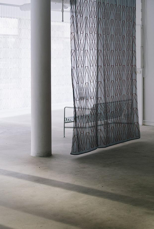 cortinas kvadrat de ronan y erwan bouroullec estampan geometría luz color diariodesign