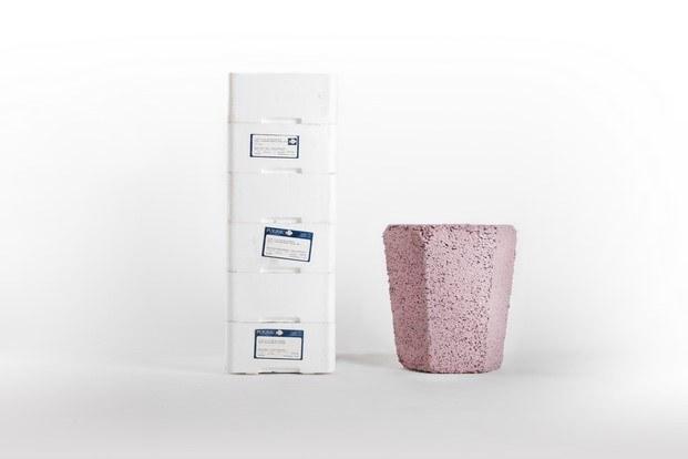 roca recicla taburete cajas poliestireno andreu carulla diariodesign