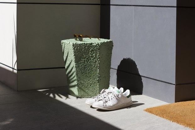 taburete en verde roca recicla de andreu carulla diariodesign