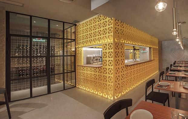 restaurante mexicano casa Amores en valencia celosia amarilla diariodesign