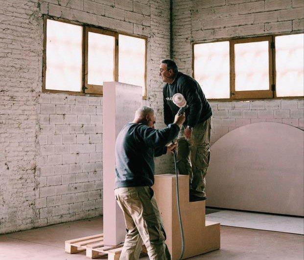 Kiwi Bravo para Parachilna cómo crear la escenografía perfecta diariodesign