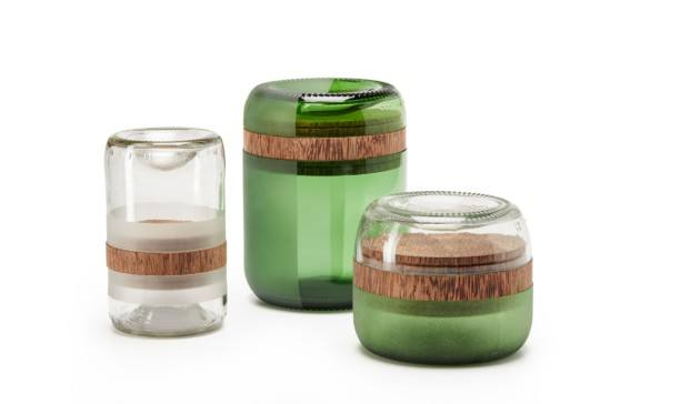 botes con vidrio reciclado de fundacion bottle up diariodesign
