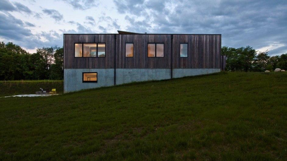 casa de madera modificada térmicamente en indianapolis de haus architects diariodesign