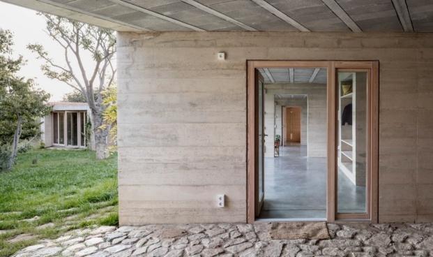 1413 harquitectes casa ullastret adria goula interior exterior