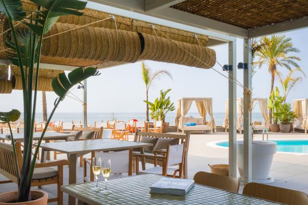 ME-Sitges-Tragamar-Hotel-Lagranja-diarioDESIGN-restaurante-terraza