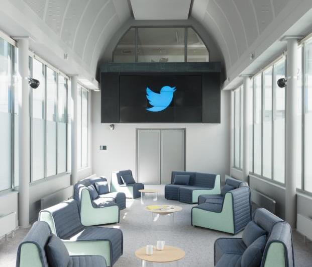 Ramy-Fischler-Diseñador-2018-MO-diarioDESIGN-oficinas-Twitter-París