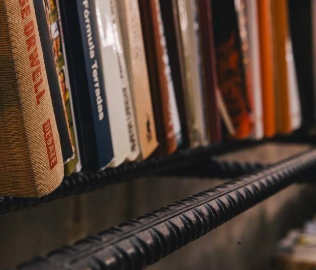 detalle-estanteria-libros-hieroo-diariodesign