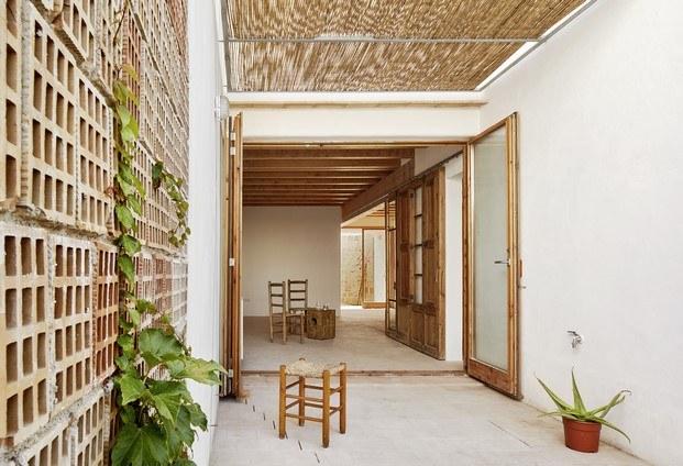life reusing posidonia premios fad arquitectura 2018 diariodesign