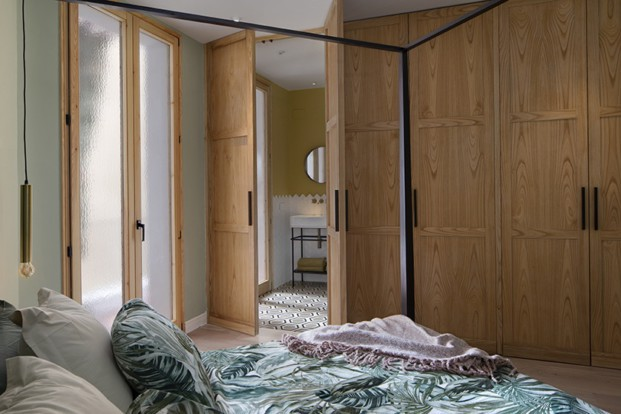 cama dintel armarios madera inspiración forestal diariodesign