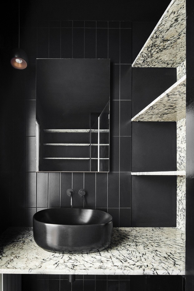 apartamento blanco y negro lavabo diariodesign