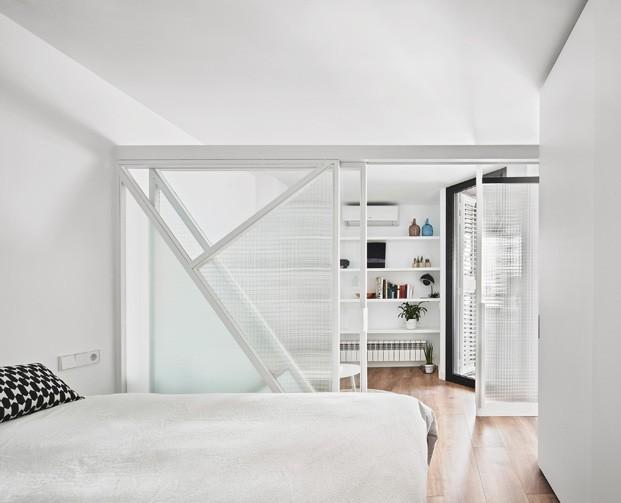 apartamento blanco y negro dormitorio diariodesign