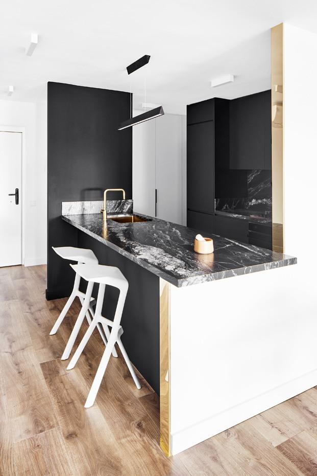 apartamento blanco y negro cocina diariodesign