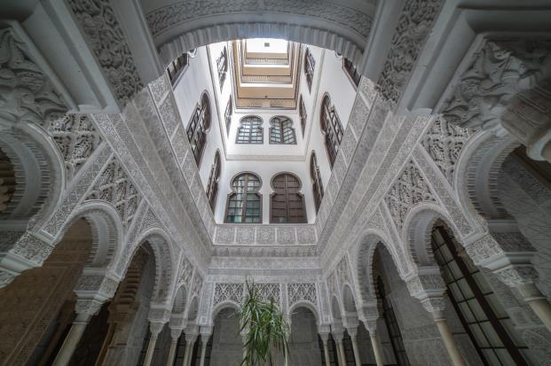 Edificio-Alhambra-Barcelona-interior-calle-berlines-diariodesign